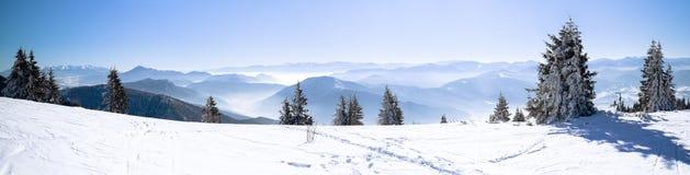 Foto panoramiche delle montagne europee Fotografie Stock