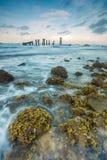 Foto pedregosa de la acción de la playa Imágenes de archivo libres de regalías
