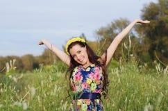 Foto positiva di estate di bella donna Immagini Stock Libere da Diritti