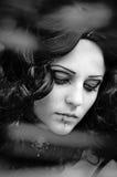 Foto preto e branco da menina bonita Fotos de Stock Royalty Free