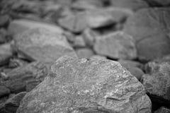 Foto preto e branco de pedra imagens de stock