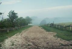 Foto que presenta el camino rular viejo Imagen de archivo libre de regalías