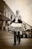Foto retra de la muchacha en traje popular Fotografía de archivo libre de regalías