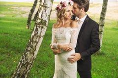 Foto romantica delle coppie di matrimonio Immagini Stock
