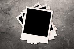 Foto's op grijze muur Royalty-vrije Stock Foto's