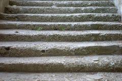 Foto simple de la aún-vida de la escalera de piedra vieja Imágenes de archivo libres de regalías