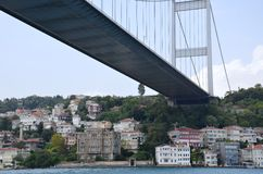 foto sotto il ponte di Bosphorus Fotografie Stock
