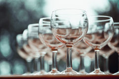 Foto stilizzata dell'annata sui vetri di vino Fotografia Stock