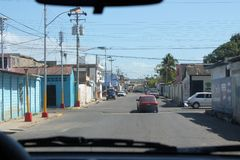 Foto uit auto in de Cumana-stad wordt genomen die royalty-vrije stock foto
