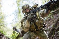 Foto van één waargenomen militair Stock Afbeeldingen