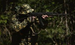 Foto van de mens met kanon stock afbeelding