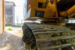 Foto van een schraper in de boerderij wordt geparkeerd die Royalty-vrije Stock Afbeelding