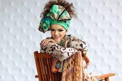 Foto van meisje met heldere samenstelling en toebehoren royalty-vrije stock foto's