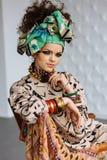 Foto van meisje met heldere samenstelling en toebehoren royalty-vrije stock foto