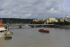 Foto van Rood rivierschip in Praag Royalty-vrije Stock Foto's