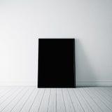 Foto van zwarte affiche op de witte vloer 3d Stock Afbeeldingen