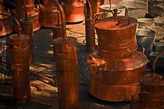 Foto velha com objetos tradicionais do cobre e do zinco Fotos de Stock