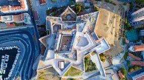 Foto verticale della fortificazione del Saint Nicolas nella città di Marsiglia Immagini Stock Libere da Diritti