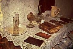 Foto vieja con el interior casero tradicional rumano 4 imágenes de archivo libres de regalías