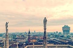 Foto vieja con la visión sobre Milán desde arriba de Milan Cathedr fotos de archivo libres de regalías