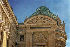 Foto vieja con los detalles arquitectónicos de la ópera de nacional París fotos de archivo libres de regalías