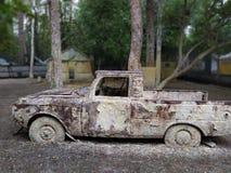 Foto vieja del coche Ubicación de Paintball foto de archivo libre de regalías