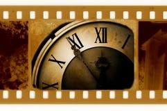 Foto vieja del marco con el reloj de la vendimia foto de archivo