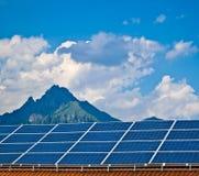 Foto-voltaische Energie des Sonnenkollektors Lizenzfreie Stockbilder