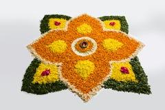 Foto von Blume rangoli für diwali oder pongal auf Lager oder onam Stockbilder