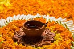 Foto von Blume rangoli für diwali oder pongal auf Lager oder onam Lizenzfreies Stockbild