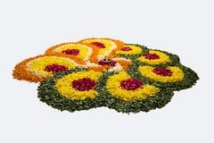 Foto von Blume rangoli für diwali oder pongal auf Lager oder onam Lizenzfreie Stockfotografie