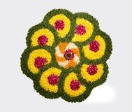 Foto von Blume rangoli für diwali oder pongal auf Lager oder onam Stockbild