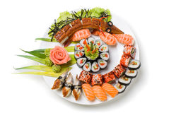 Foto von gerollt und von einem Sushi lizenzfreie stockbilder