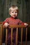 Fotoet av nio månad behandla som ett barn gråt Royaltyfria Bilder