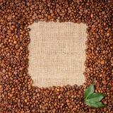 Fotoframe von Kaffeebohnen Stockfotografie