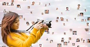 Fotograaf met het vliegen portretten royalty-vrije stock foto's