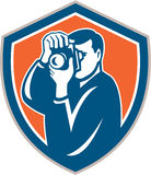 Fotograaf Retro Aiming Camera Shield Royalty-vrije Stock Fotografie