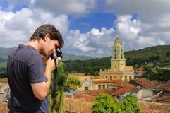 Fotograaf in Trinidad, Cuba Royalty-vrije Stock Afbeeldingen