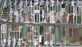 Fotografía aérea de las granjas de la ostra en Bouin imagen de archivo