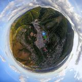 Fotografía aérea de una ciudad moderna sobre un área imágenes de archivo libres de regalías
