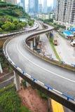 Fotografía aérea del paisaje del camino del puente del viaducto de la ciudad Fotos de archivo libres de regalías