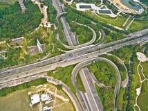 Fotografía aérea del paisaje del camino del puente del viaducto de la ciudad Fotografía de archivo libre de regalías