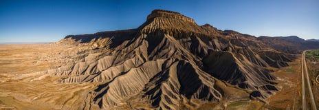 Fotografía aérea del panorama del abejón - Mt garfield Mesa del desierto en el Colorado Rocky Mountains Fotos de archivo libres de regalías