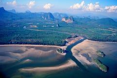 Fotografía aérea en la bahía de Phang Nga del mar. Imagen de archivo libre de regalías