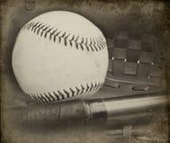 Fotografía antigua del estilo del béisbol y del guante Foto de archivo libre de regalías