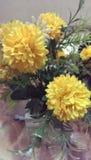Fotografía de la decoración interior, pintura, aún vida, etc Flores hermosas Foto de archivo libre de regalías