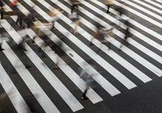 Fotografía de la falta de definición del paso de peatones Foto de archivo