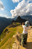 Fotografía de Machu Picchu con smartphone Imágenes de archivo libres de regalías