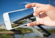 Fotografía de señales en un smartphone Fotografía de archivo libre de regalías