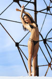 Fotografía de una mujer hermosa en la playa foto de archivo libre de regalías